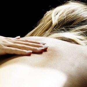 photo de massage relaxation au salon Douce Heure des Mains à Nantes